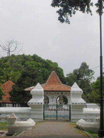 Cirebon, Indonesia: pintu gerbang Kanoman