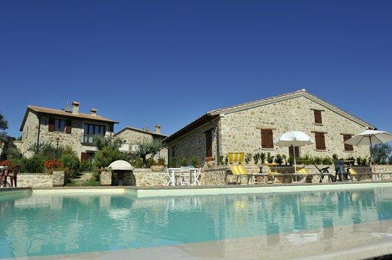 Casa Vacanze Ripa Alta snc: vista dalla piscina