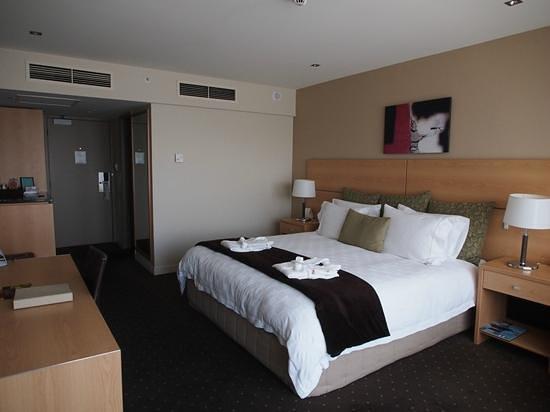 Crowne Plaza Queenstown: room 