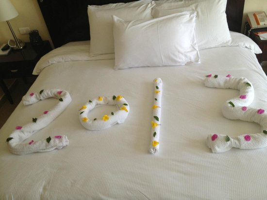 Hilton Sharks Bay Resort: new years eve towel arrangement