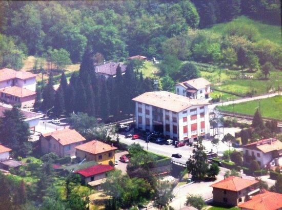 Albergo Cristallo : Vista dal Monte Sasso del Ferro.