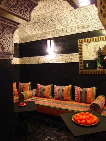 Riad Les Nuits de Marrakech: Salon