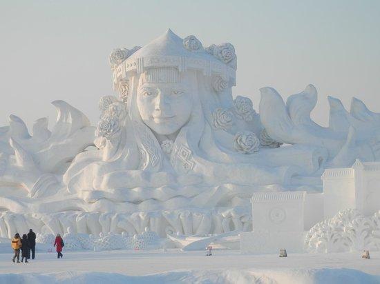 Harbin Snow Fair: Largest Snow Sculpture in the World 2013