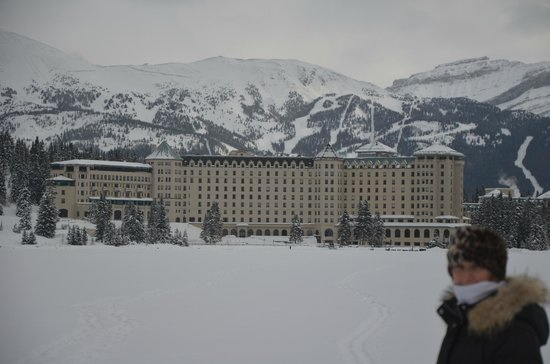 Fairmont Chateau Lake Louise: View from the Lake