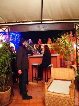 Riad Les Nuits de Marrakech: Espace bar