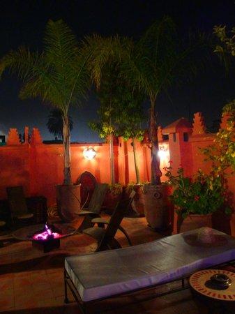 Riad Les Nuits de Marrakech: brasero clair de lune