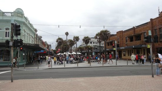 Manly Beach : View facing away from the beach (main street)