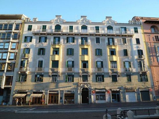 Hotel Dorica: ホテル外観