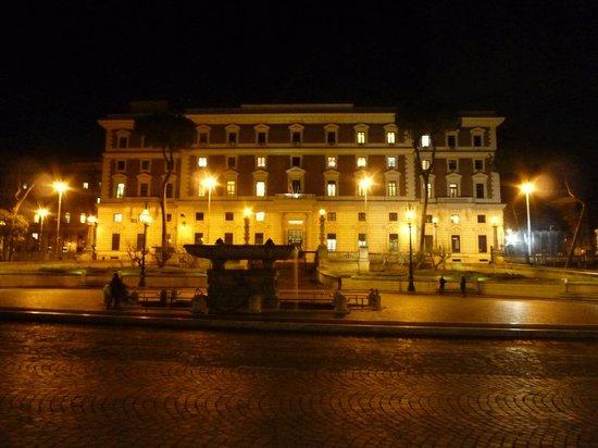 Hotel Dorica: ホテルから広場を望む