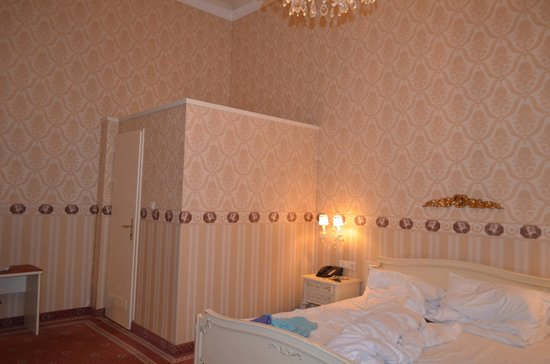 Pertschy Palais Hotel: Эта коморка была нашим туалетом