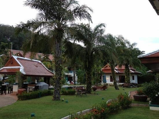 Royal Embassy Resort & Spa: inside 