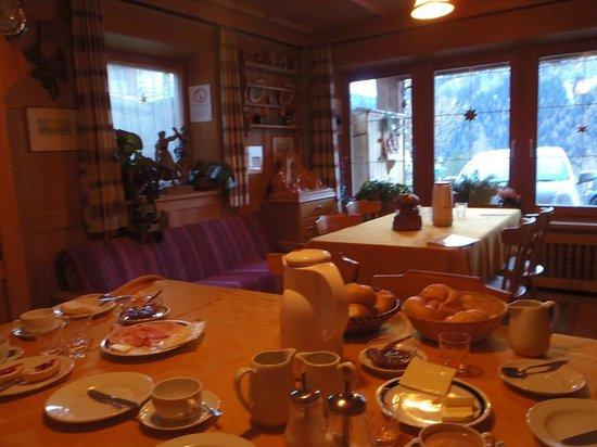 Garni Templa: Sala colazione