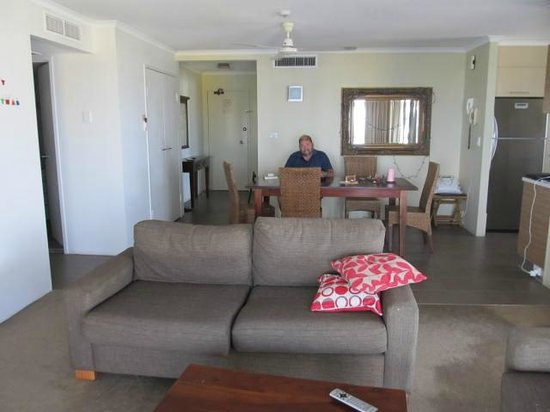 Marrakai Luxury All Suites Darwin : Full room (minus second couch), doorway to left is the second room with 2 singles, bathroom, lau