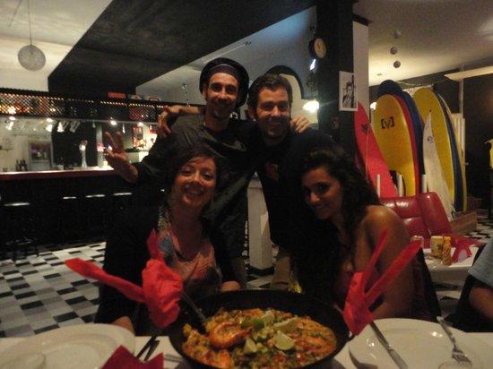 Surf Inc. Burgers & Food Deluxe: Un'eccellente PAELLA!!!