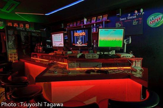 ビデオゲーム バー スペースステーション