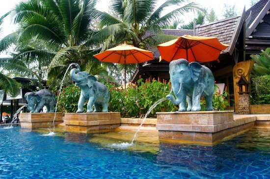 Amari Vogue Krabi: Pool area