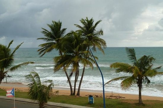 Luquillo Sunrise Beach Inn: Ausblick Zi. 32