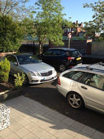 Hendam House Hotel: car park