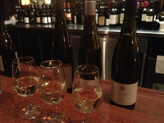 Crush Wine Bar & Restaurant: flight of whites