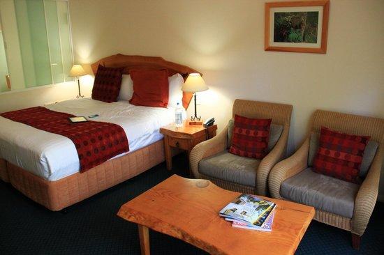 Heritage Trail Lodge: Main space, Room 8