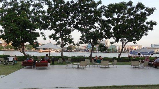 ibis Bangkok Riverside: na terenie hotelu