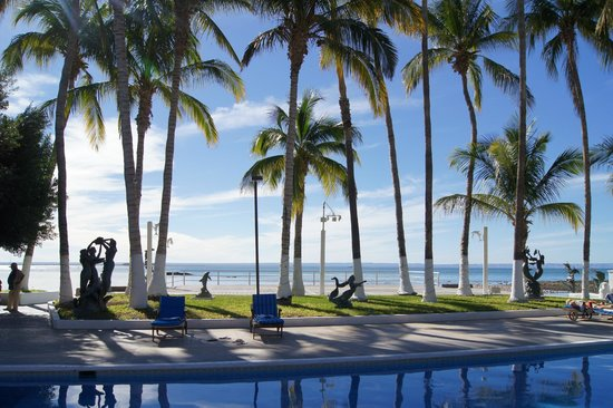 La Concha Beach Resort: Pool view