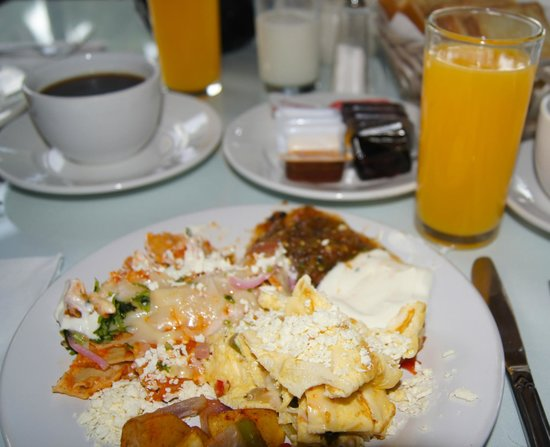 La Concha Beach Resort: Breakfast with fresh squeezed OJ...yum!