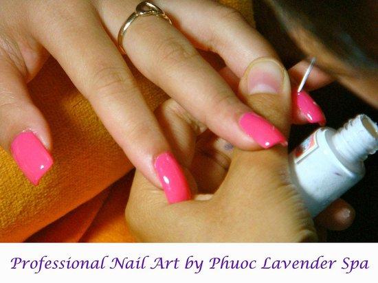 Phuoc Lavender Spa: Acrylic nail art