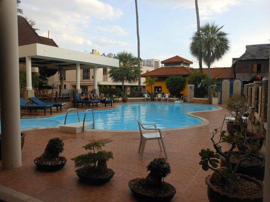 Phi Phi Hotel: piscina