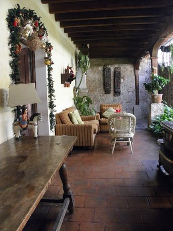 Hotel Meson de Maria: courtyard