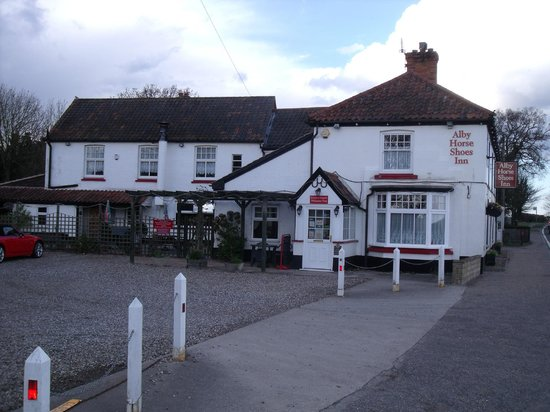 Alby Horseshoes Inn  Erpingham