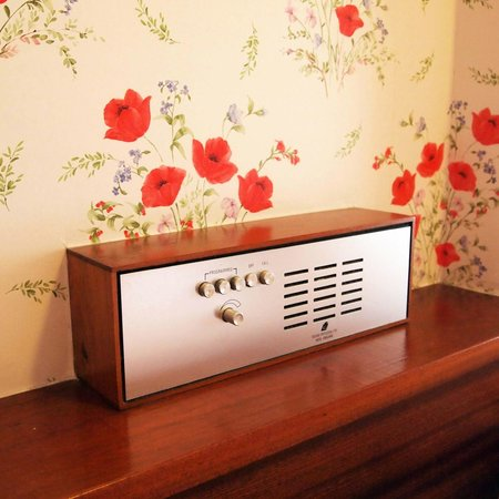 The Countryman Hotel: I liked the vintage built in radio.