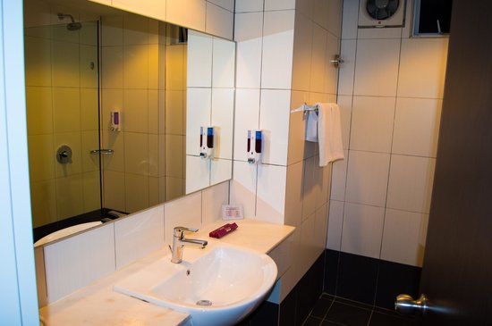 Favehotel Cenang Beach: Bathroom
