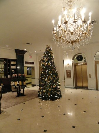 Warwick New York: lobby at Christmas