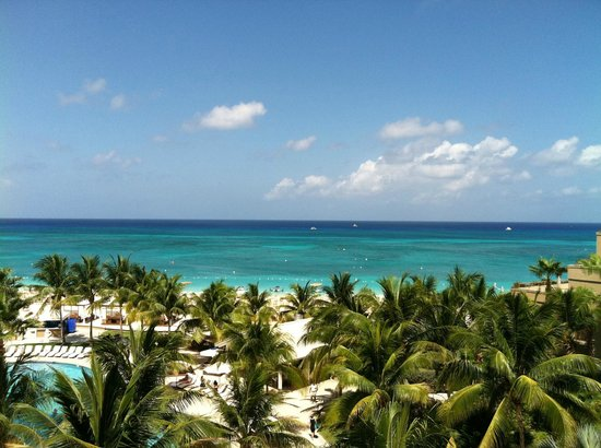 The Ritz-Carlton Grand Cayman: ocean view room