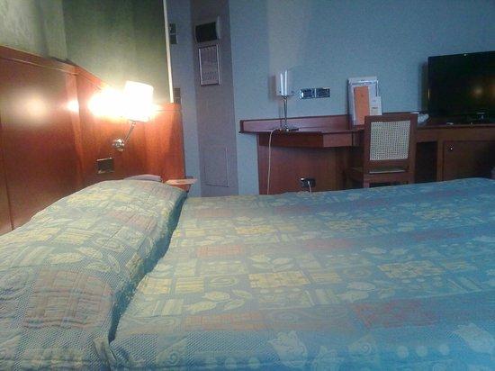 Perugia Park Hotel: letto camera matrimoniale