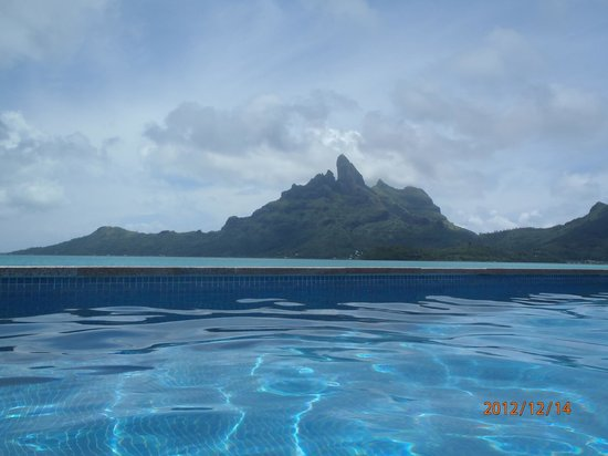 The St. Regis Bora Bora Resort: Best view of Mt Otemanu in all of Bora!