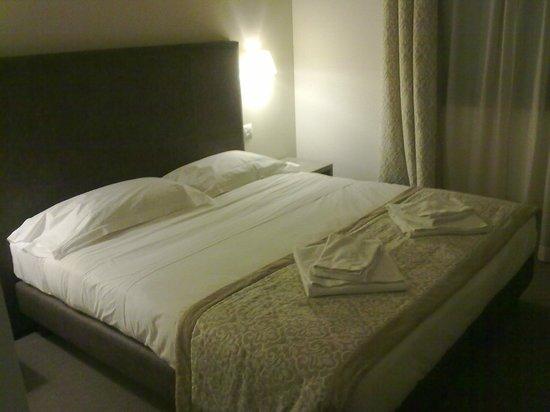 Letto Matrimoniale A Verona.Letto Stanza Matrimoniale Picture Of Db Hotel Verona Airport And