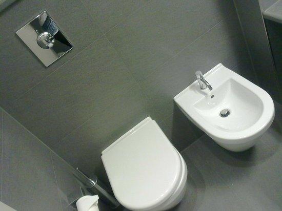 DB Hotel Verona Airport and Congress: sanitari