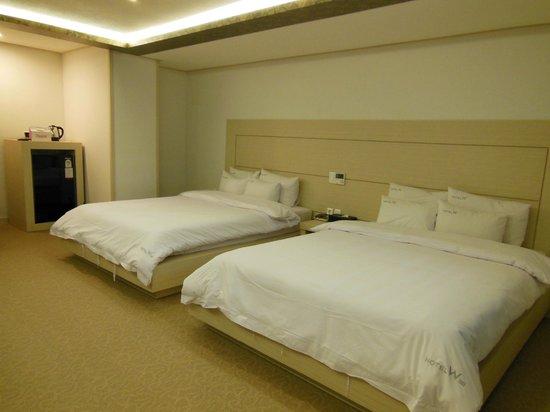 호텔 W 신제주점