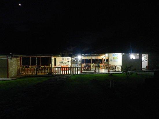 Hotel Restaurante Miss Elma: el hotel de noche