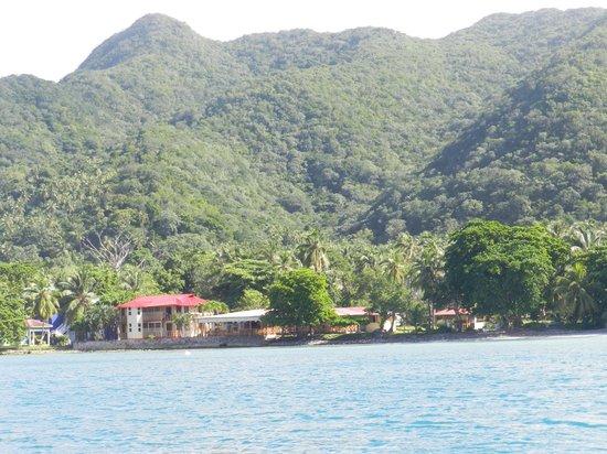 Hotel Restaurante Miss Elma: vista del hotel desde un bote