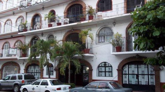 Azteca Hotel: Fachada del hotel.