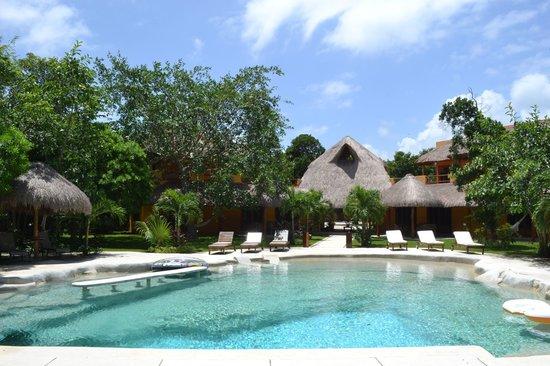 Jivana Yoga Retreats: natural pool rear view