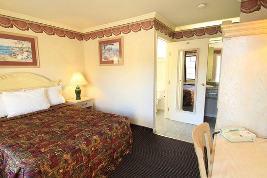 San Francisco Inn: Queen size room
