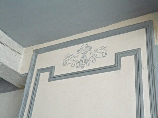 Colours of Pays Cathare: Detail Art Nouveau Room