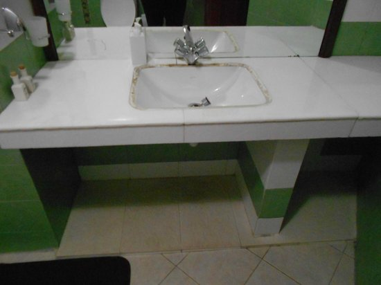 Mandira Bungalows: Washbasin