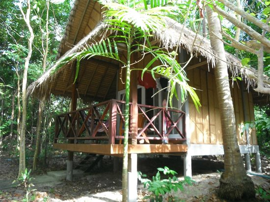 Narima Bungalow Resort: Our bungalow