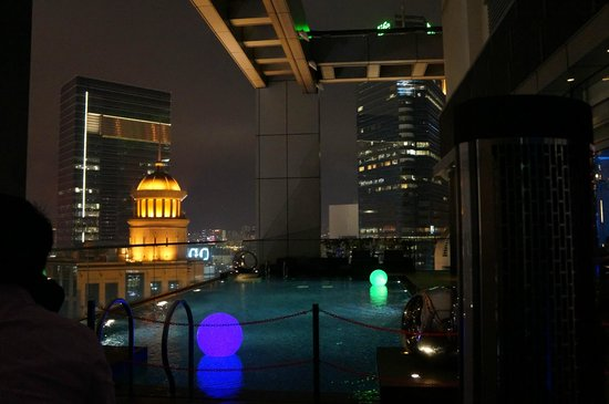 Crowne Plaza Hotel Hong Kong Causeway Bay: piscine roof top