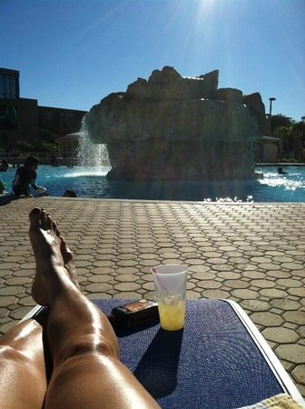 Wyndham Lake Buena Vista Disney Springs Resort Area: Relaxing by the pool